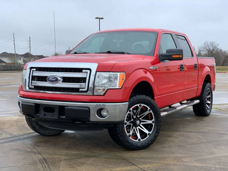 2014 Ford F-150 for sale at AUTO DIRECT Bellaire in Houston TX