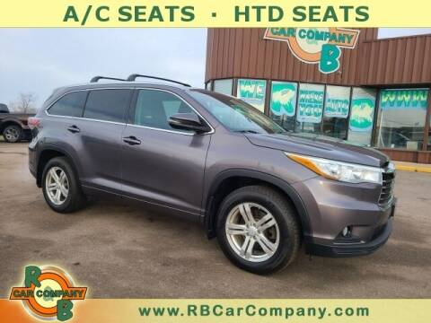 2015 Toyota Highlander for sale at R & B Car Company in South Bend IN