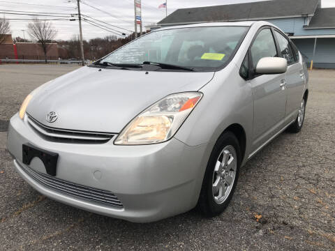 2005 Toyota Prius for sale at D'Ambroise Auto Sales in Lowell MA