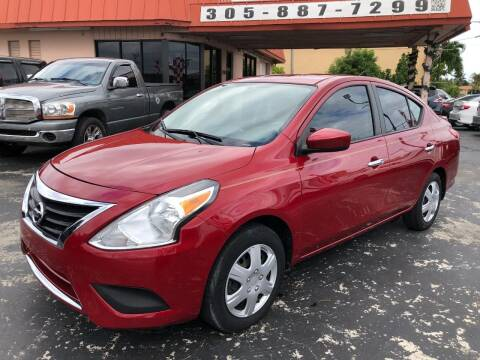 2015 Nissan Versa for sale at Global Motors in Hialeah FL