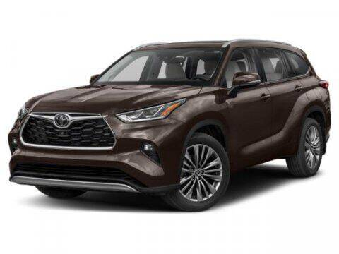 2020 Toyota Highlander for sale at Crown Automotive of Lawrence Kansas in Lawrence KS