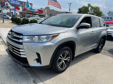 2018 Toyota Highlander for sale at White River Auto Sales in New Rochelle NY