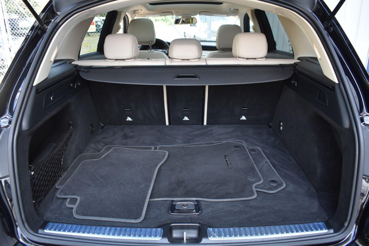 2016 Mercedes-Benz GLC GLC 300 4MATIC AWD 4dr SUV full