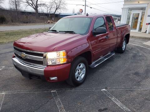 2007 Chevrolet Silverado 1500 for sale at Rick's R & R Wholesale, LLC in Lancaster OH