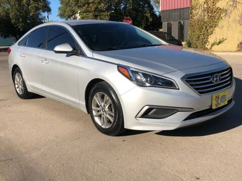 2016 Hyundai Sonata for sale at El Tucanazo Auto Sales in Grand Island NE