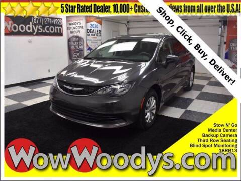 2018 Chrysler Pacifica for sale at WOODY'S AUTOMOTIVE GROUP in Chillicothe MO