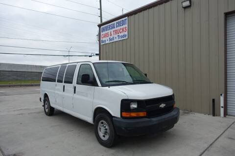 2008 Chevrolet Express Passenger for sale at Universal Credit in Houston TX