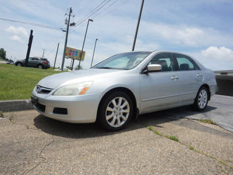 2006 Honda Accord for sale at CHAPARRAL USED CARS in Piney Flats TN
