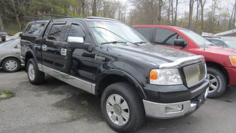 2006 Lincoln Mark LT for sale at Auto Outlet of Morgantown in Morgantown WV