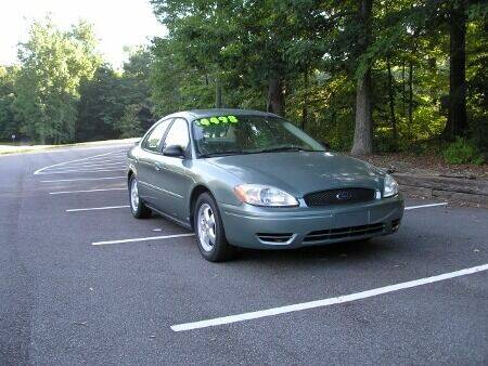 2006 Ford Taurus for sale at RICH AUTOMOTIVE Inc in High Point NC