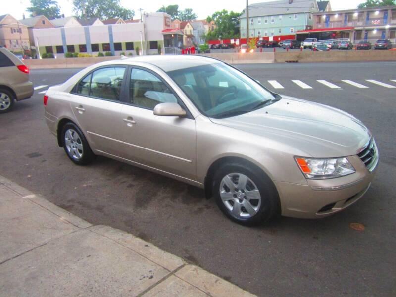 2009 Hyundai Sonata for sale at Cali Auto Sales Inc. in Elizabeth NJ
