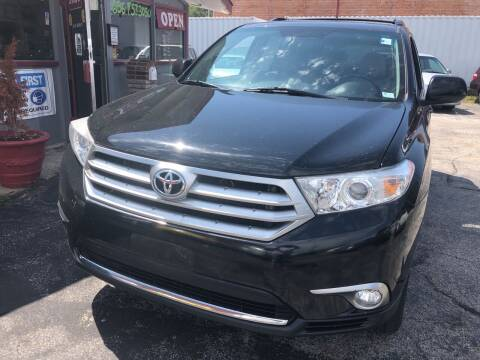 2012 Toyota Highlander for sale at Best Deal Motors in Saint Charles MO