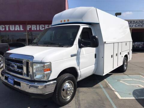 2010 Ford E-Series Chassis for sale at Sanmiguel Motors in South Gate CA