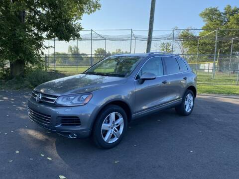 2013 Volkswagen Touareg for sale at Queen City Classics in West Chester OH