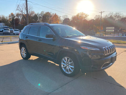 2015 Jeep Cherokee for sale at GRC OF KC in Gladstone MO