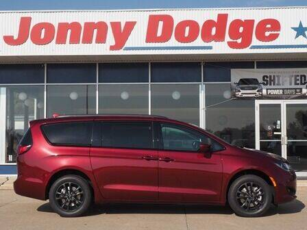 2020 Chrysler Pacifica for sale at Jonny Dodge Chrysler Jeep in Neligh NE