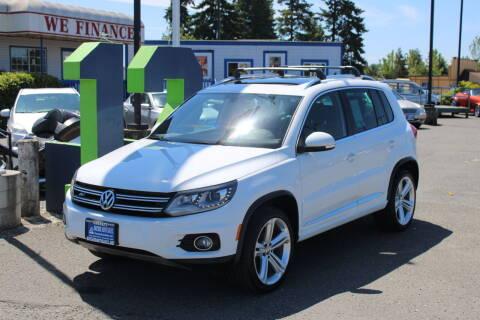 2015 Volkswagen Tiguan for sale at BAYSIDE AUTO SALES in Everett WA