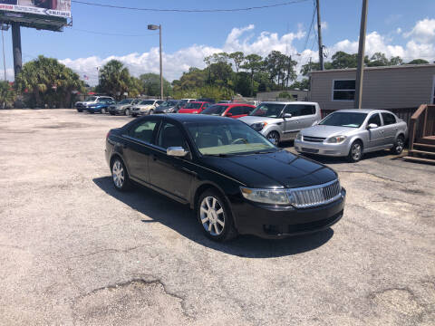 2006 Lincoln Zephyr for sale at Friendly Finance Auto Sales in Port Richey FL