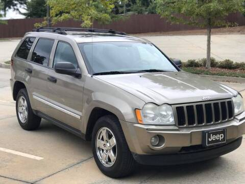2005 Jeep Grand Cherokee for sale at Two Brothers Auto Sales in Loganville GA