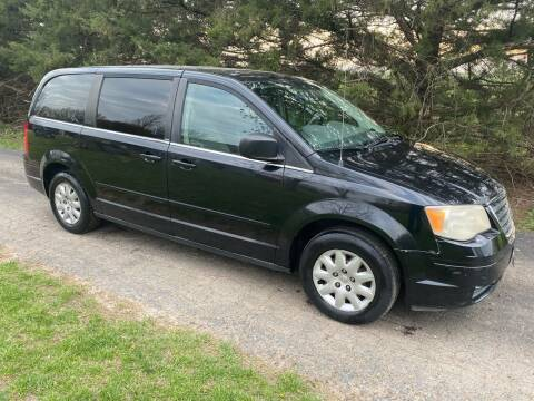 2009 Chrysler Town and Country for sale at Kansas Car Finder in Valley Falls KS