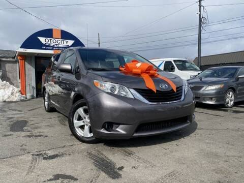 2014 Toyota Sienna for sale at OTOCITY in Totowa NJ