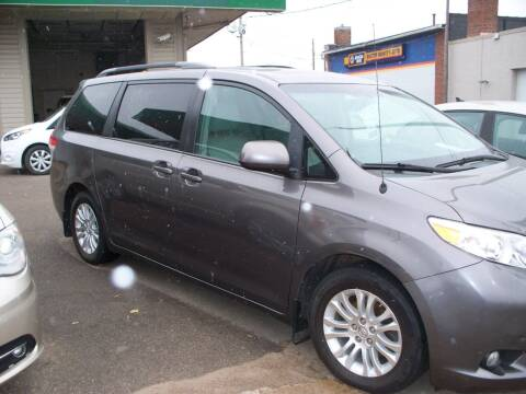 2013 Toyota Sienna for sale at North Metro Auto Sales in Cambridge MN