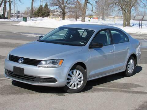 2013 Volkswagen Jetta for sale at Highland Luxury in Highland IN