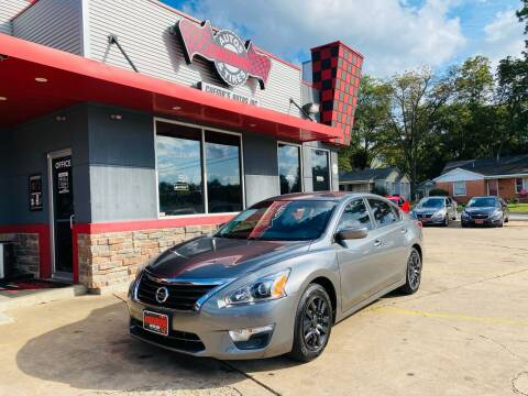 2015 Nissan Altima for sale at Chema's Autos & Tires in Tyler TX