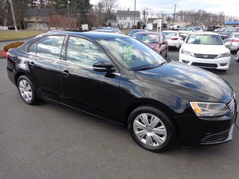 2013 Volkswagen Jetta for sale at BETTER BUYS AUTO INC in East Windsor CT