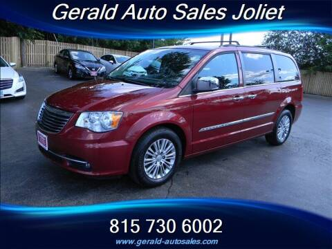 2015 Chrysler Town and Country for sale at Gerald Auto Sales in Joliet IL
