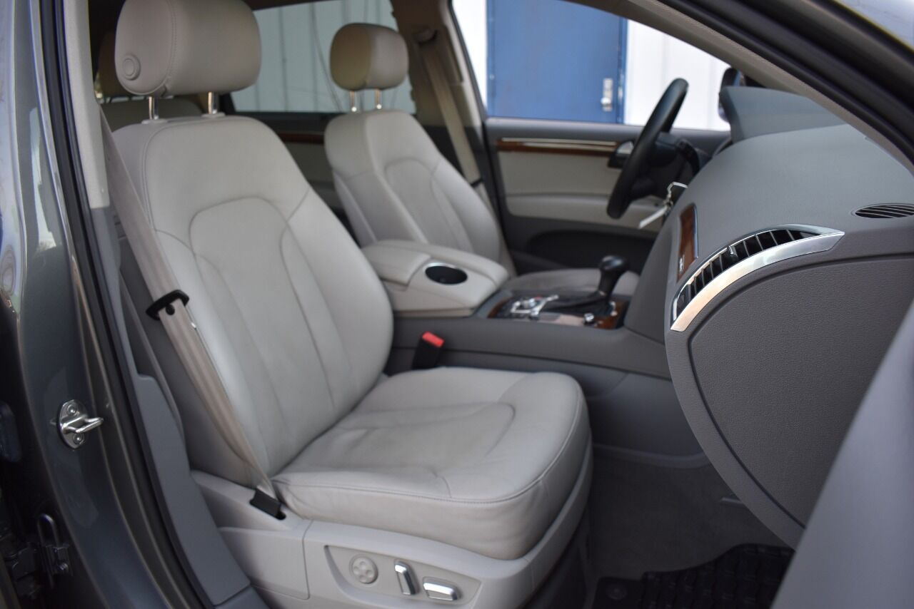 2015 Audi Q7 3.0T quattro S line Prestige AWD 4dr SUV full