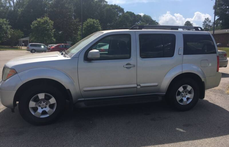 2007 Nissan Pathfinder for sale at O'Quinns Auto Sales, Inc in Fuquay Varina NC