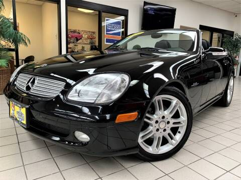 2004 Mercedes-Benz SLK for sale at SAINT CHARLES MOTORCARS in Saint Charles IL