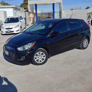 2014 Hyundai Accent for sale at TOWN & COUNTRY AUTO SALES in Overton NV
