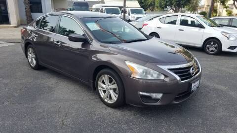 2013 Nissan Altima for sale at In-House Auto Finance in Hawthorne CA