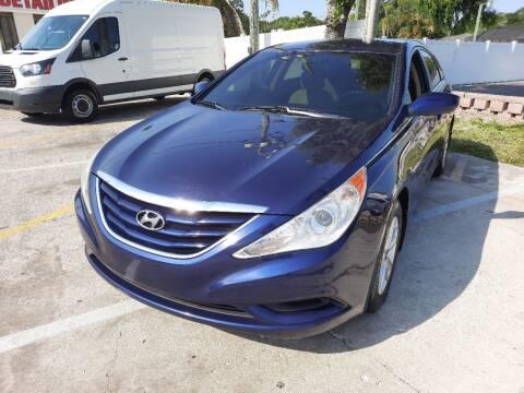 2011 Hyundai Sonata for sale at Autos by Tom in Largo FL
