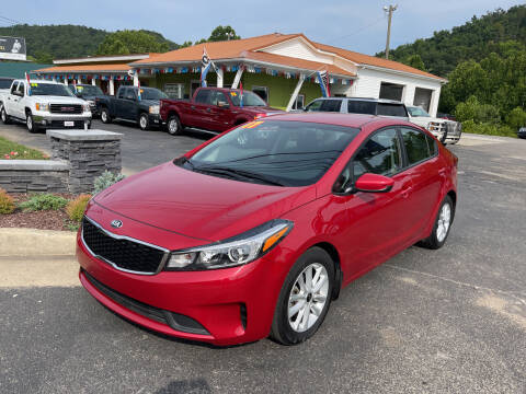 2017 Kia Forte for sale at PIONEER USED AUTOS & RV SALES in Lavalette WV