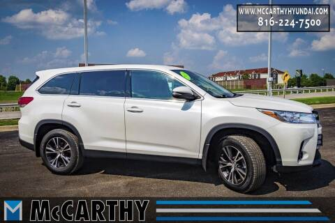 2019 Toyota Highlander for sale at Mr. KC Cars - McCarthy Hyundai in Blue Springs MO