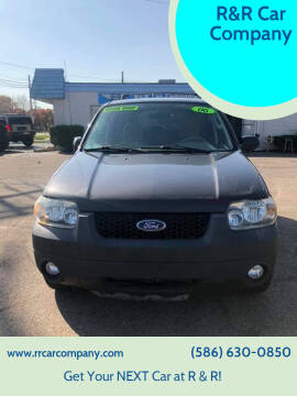 2007 Ford Escape for sale at R&R Car Company in Mount Clemens MI