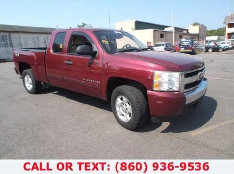 2008 Chevrolet Silverado 1500 for sale at Lee Motor Sales Inc. in Hartford CT