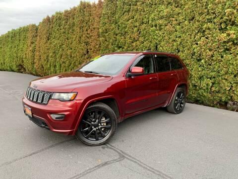 2018 Jeep Grand Cherokee for sale at Yaktown Motors in Union Gap WA