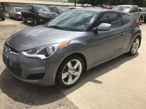 2016 Hyundai Veloster for sale at AMIGO USED CARS in Houston TX