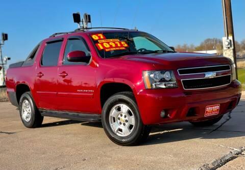 2007 Chevrolet Avalanche for sale at SOLOMA AUTO SALES in Grand Island NE