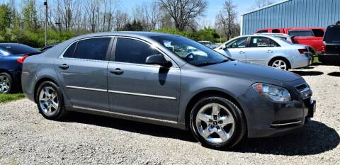 2009 Chevrolet Malibu for sale at PINNACLE ROAD AUTOMOTIVE LLC in Moraine OH