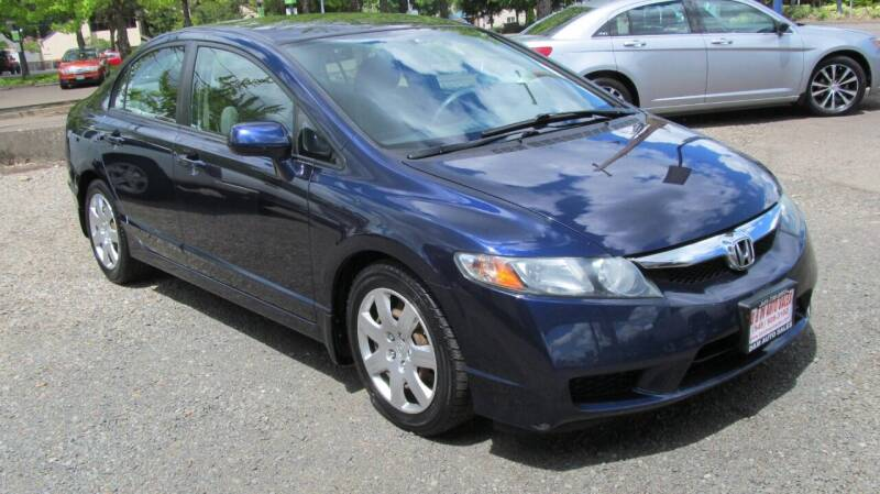 2009 Honda Civic for sale at D & M Auto Sales in Corvallis OR