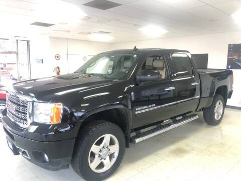 2011 GMC Sierra 2500HD for sale at Used Car Outlet in Bloomington IL