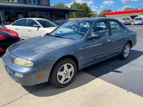1993 Nissan Altima for sale at Wise Investments Auto Sales in Sellersburg IN