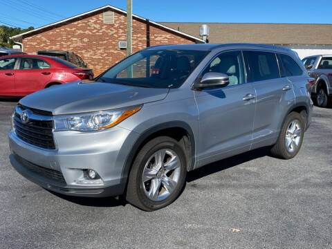 2015 Toyota Highlander for sale at Modern Automotive in Boiling Springs SC