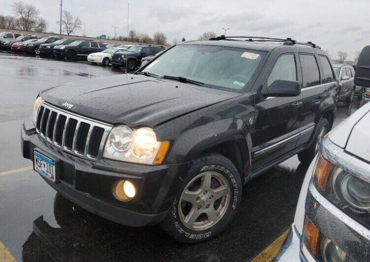 2005 Jeep Grand Cherokee for sale at Green Light Auto in Sioux Falls SD