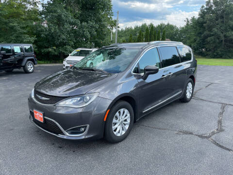 2019 Chrysler Pacifica for sale at Glen's Auto Sales in Fremont NH